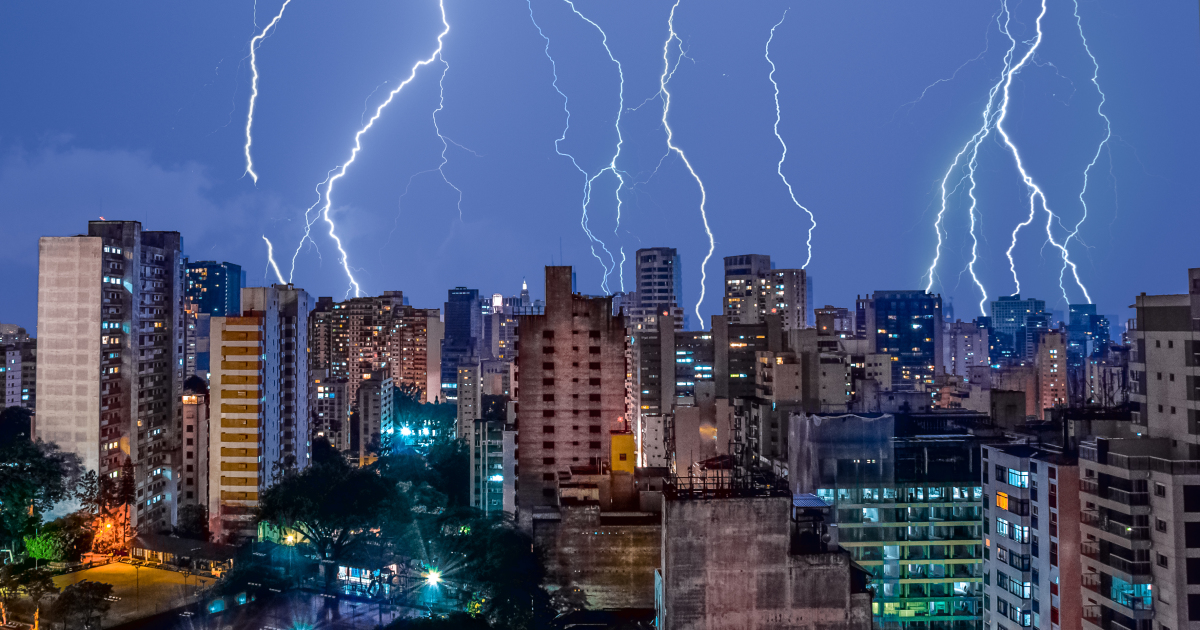 I Captured 14 Lightening Bolts In One Photo During An Unusual Storm In São Paulo