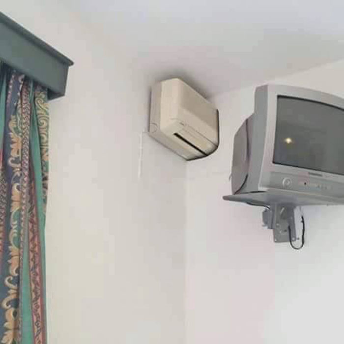 Air Conditioning Shared With Next Hotel's Room