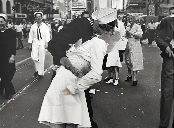 Kiss Nurse & Saylor