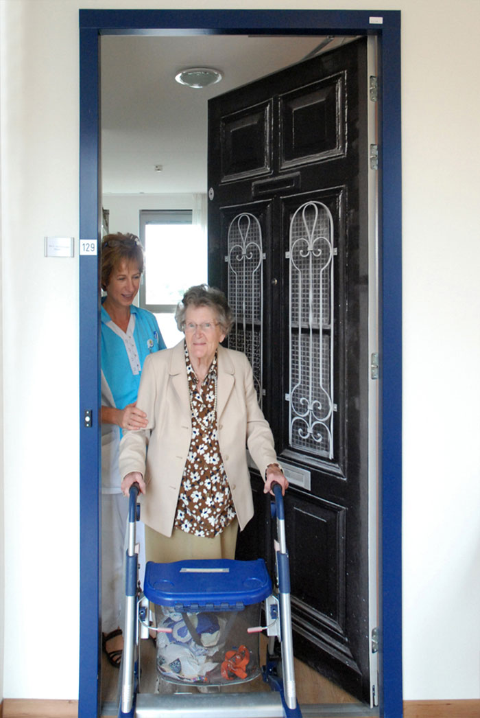 nursing-homes-dementia-patients-personalised-true-doors-stickers-33