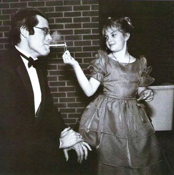 9-Year-Old Drew Barrymore Lights Stephen King's Cigarette