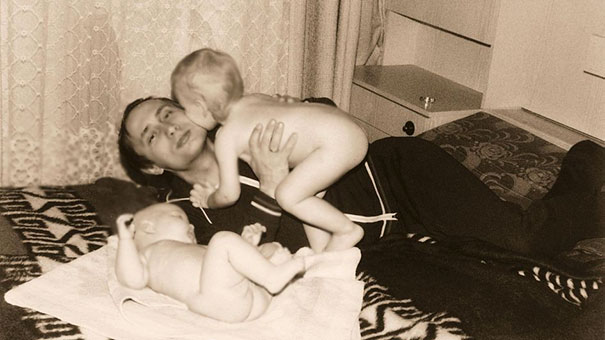 Young Vladimir Putin With Daughters