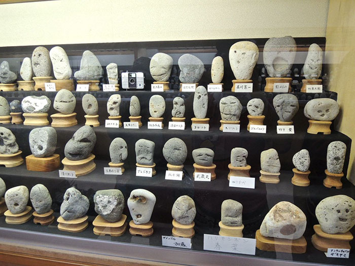rocks-look-like-faces-museum-chinsekikan-hall-of-curious-rocks-japan-11