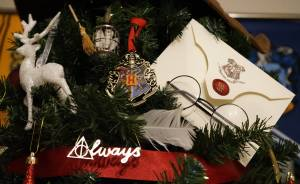 This Harry Potter Themed Christmas Tree Is A Feast For Potterheads