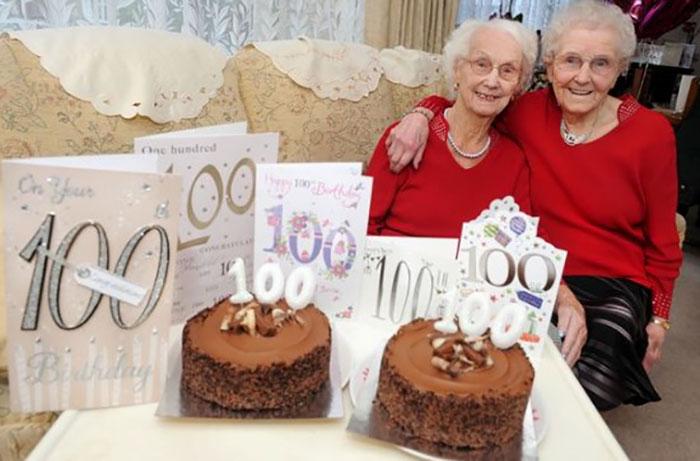 twin-sisters-celebrate-100th-birthday-irene-crump-phyllis-jones-4