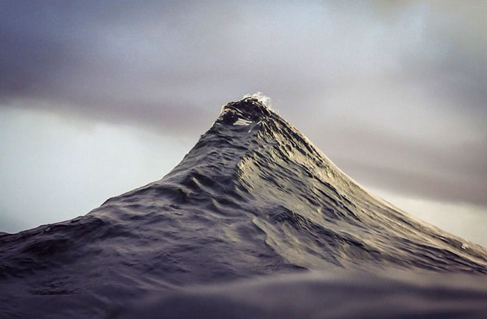 Breathtaking Wave Photos By Lloyd Meudell Look Like Mountains