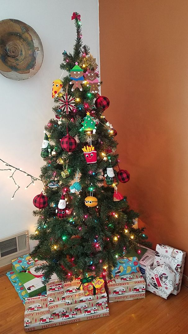 Our Ornaments Keep Getting Higher And Higher… Because Of 3 Cats ...
