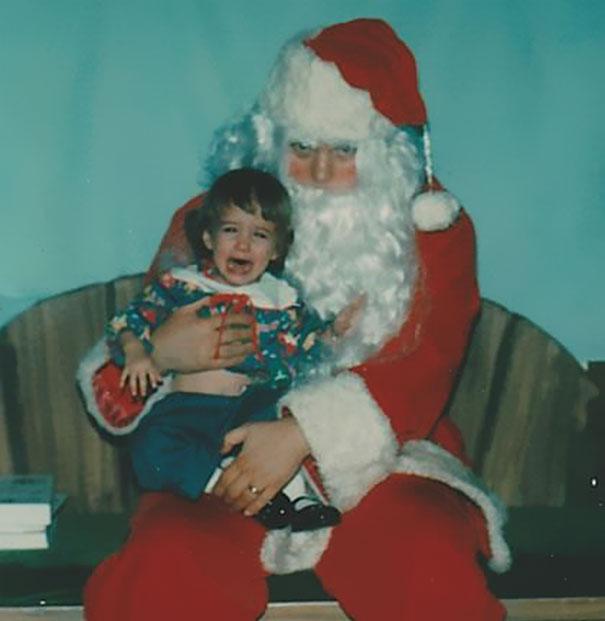 Alert The Authorities! Killer Santa On The Loose!