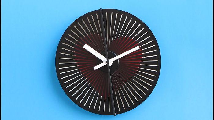 Optical Illusion Clocks