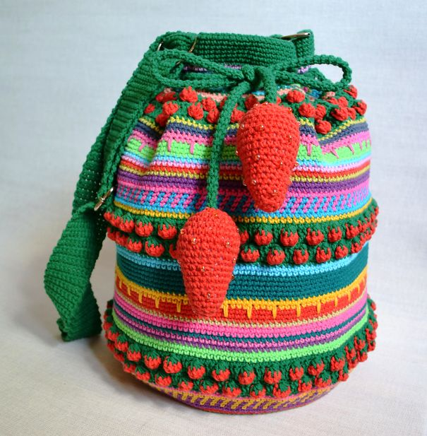 Strawberry Mochila Wayuu Bag