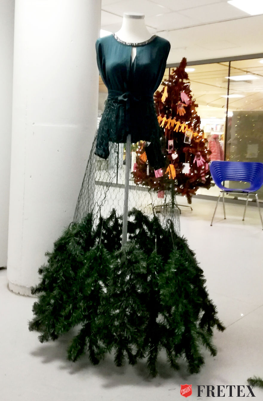 We Gave An Old Christmas Tree A New And Fashionable Life | Bored Panda