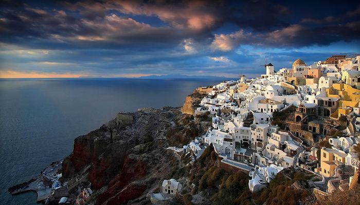 I Photographed Fairytale-Like Santorini Island In Greece