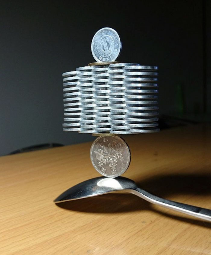 coin-stacking-gravity-thumbtani-japan-11a