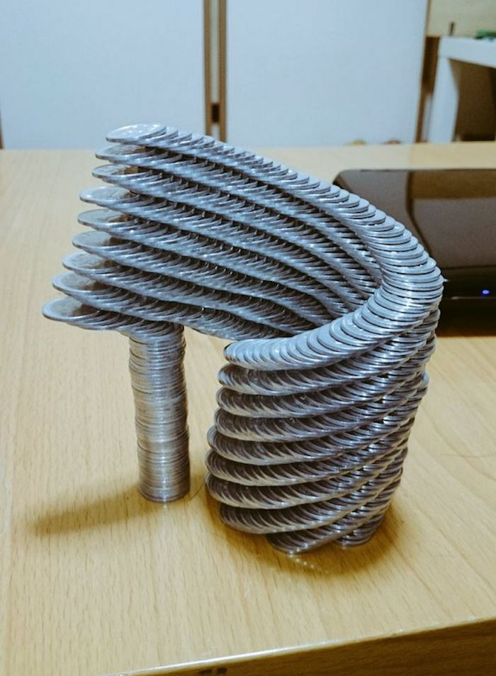 coin-stacking-gravity-thumbtani-japan-13a