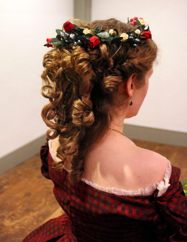 Christmas Wreath Curls