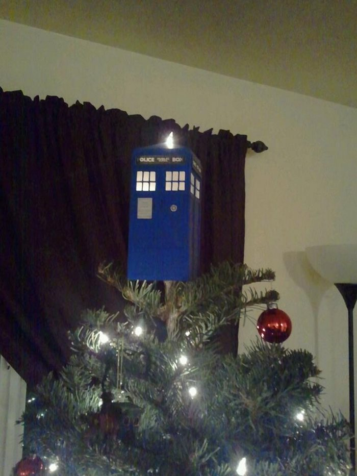 34 Of The Most Creative Christmas Tree Toppers Ever Bored Panda