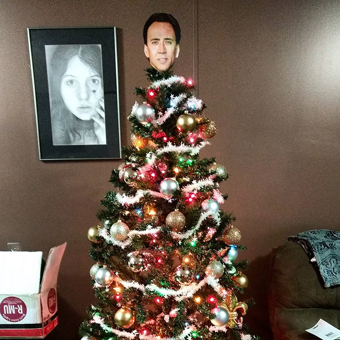 My Mom Couldn't Find Our Tree Topper, So I Decided To Take Matters Into My Own Hands