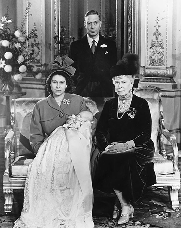 4 Generations: George Vi, His Mother Queen Mary, His Daughter Princess Elizabeth Holding Prince Charles At His Christening
