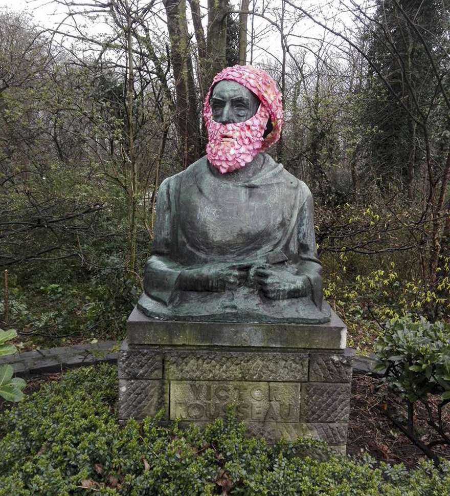 flower-crowns-beards-monuments-geoffroy-mottart-brussels-1