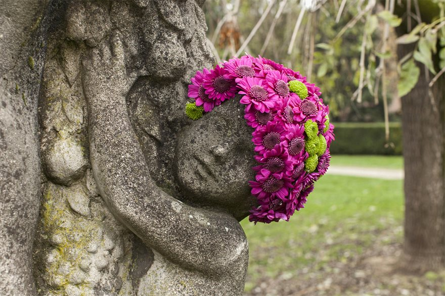 flower-crowns-beards-monuments-geoffroy-mottart-brussels-10