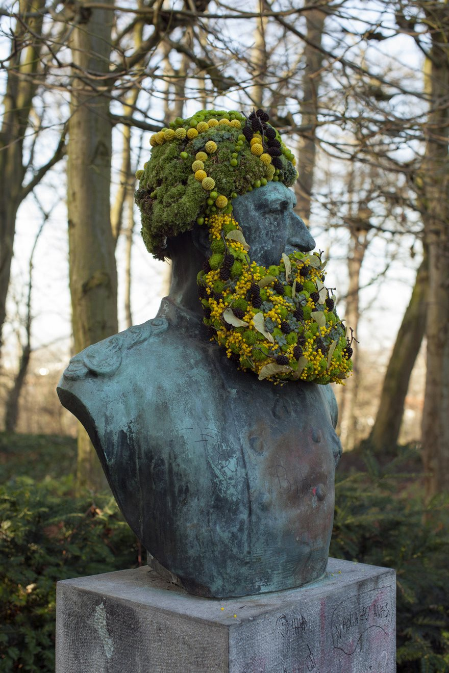 flower-crowns-beards-monuments-geoffroy-mottart-brussels-6
