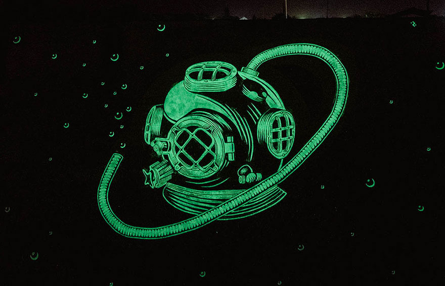 Glow In The Dark Murals That Will Surprise You At Night