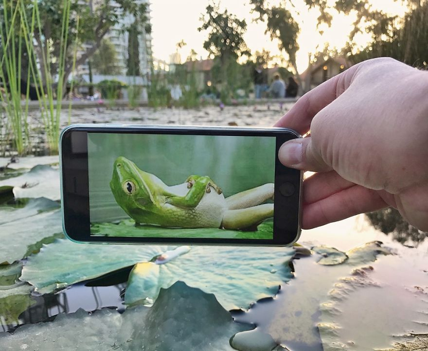 Bringing Every Day Objects To Life With A Smartphone