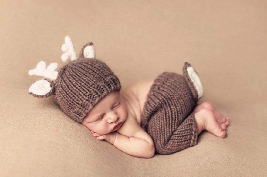 10 Babies Celebrating Their First Ever Christmas Bored
