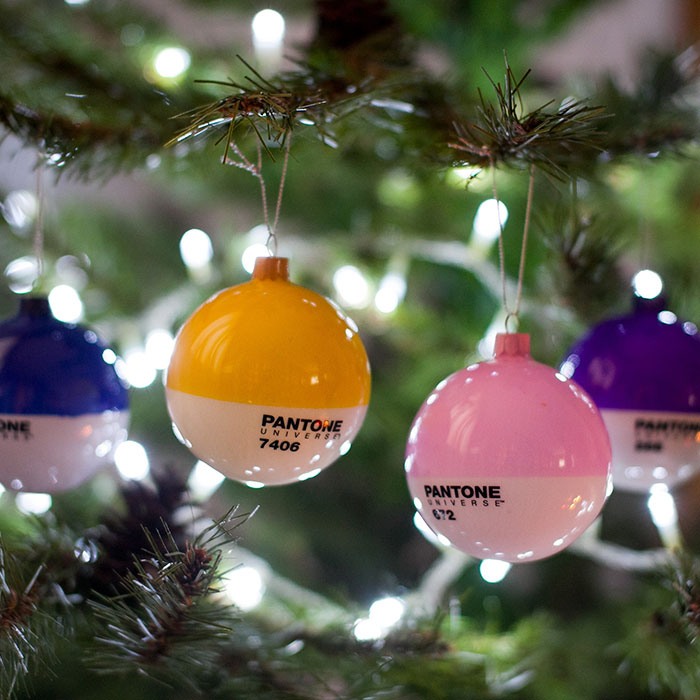 pantone-christmas-glass-ornaments-6