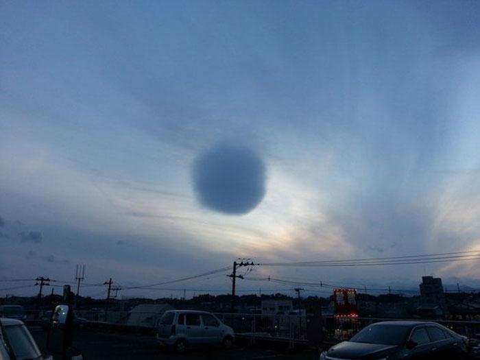 perfect-spherical-cloud-fujisawa-japan-3