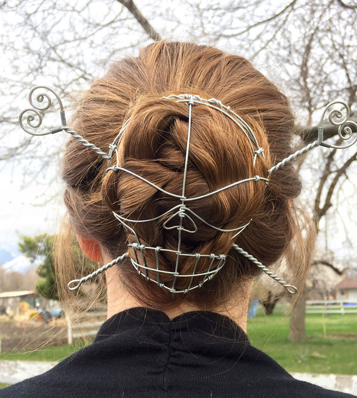 skull-crossbones-hair-bun-cover-wyreart-1