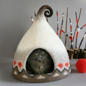I Felt Fairytale Houses For Cats