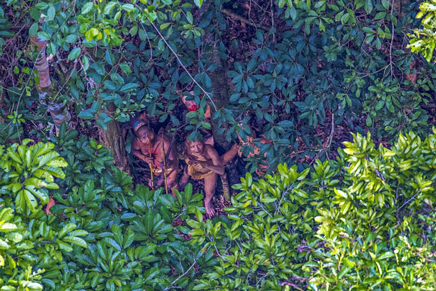 uncontacted-tribe-amazon-photography-ricardo-stuckert-10