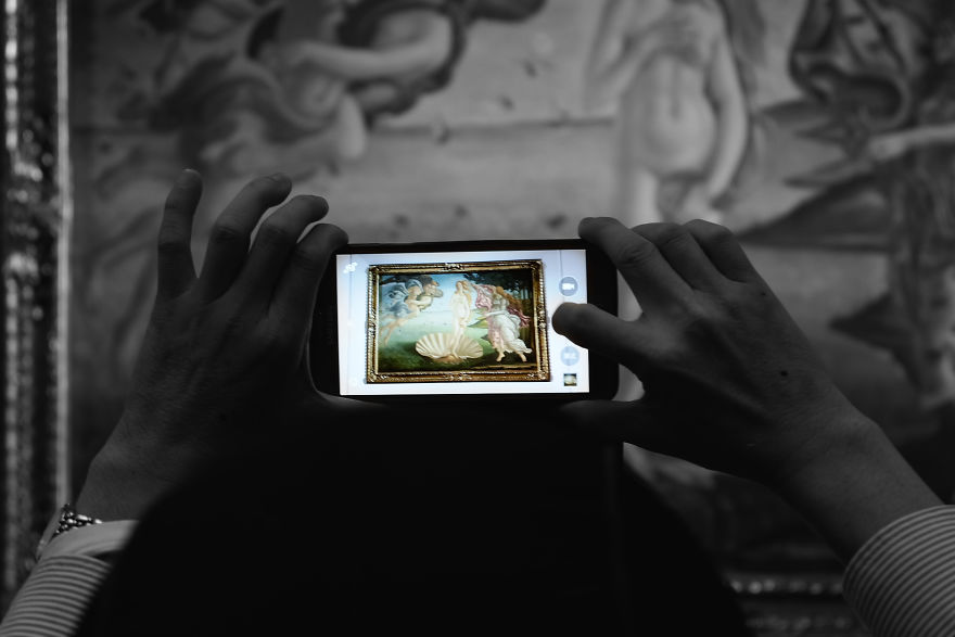 Art Gallery Was So Crowded That I Only Saw Art Through Other People's Smartphones