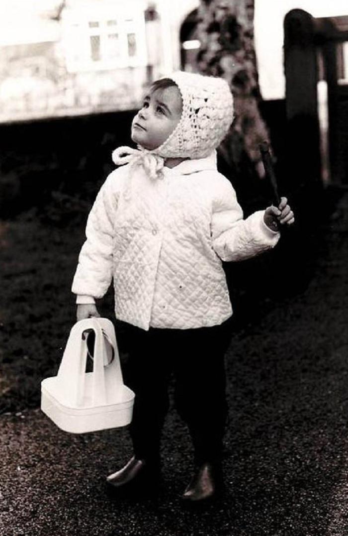 Four Pints Today Please, Mr. Milkman (c. 1968, Altrincham, Cheshire, Uk)