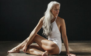 61-Year-Old Model Absolutely Rocks Her Swimsuit Campaign, And Shares Her Beauty Secrets