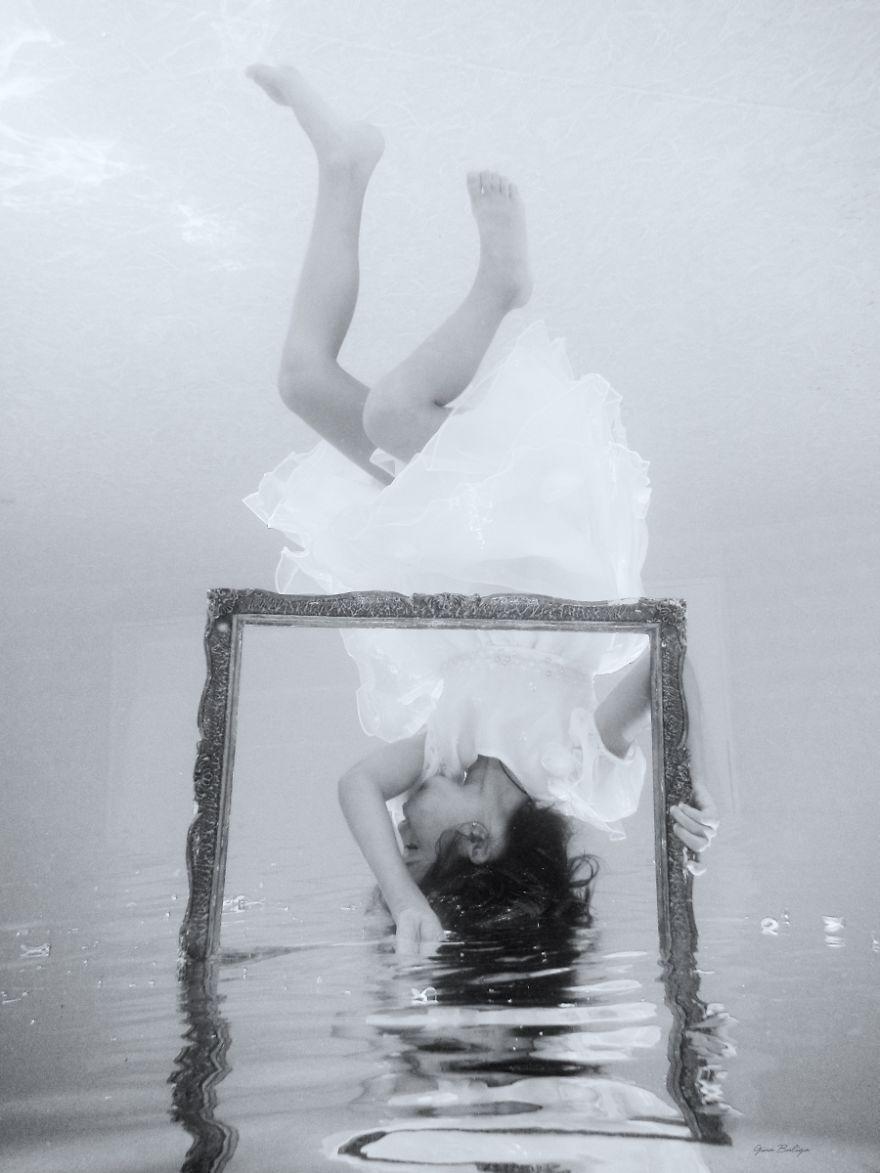 Daughters - Underwater Love