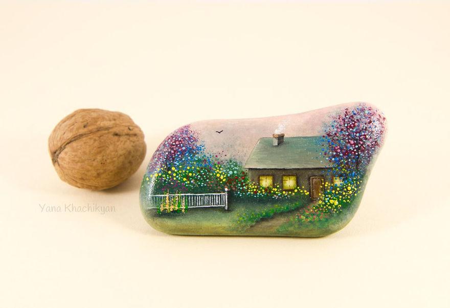 Yana Khachikyan,Miniature stones oil paintings