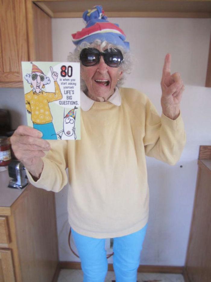 20 Funny Grandmas Photos Of The Most Badass Grandmas Ever