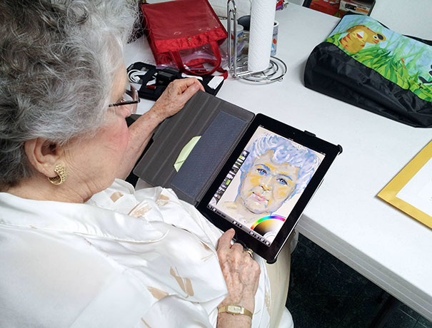 """Bought My Grandma An Ipad. She's 84 And Never Had A Tablet, And Wanted It For """"Art"""" I Bought Artrage For Her And Left Her Alone With Her New Toy For 30 Minutes. This Is What I Came Back To"""