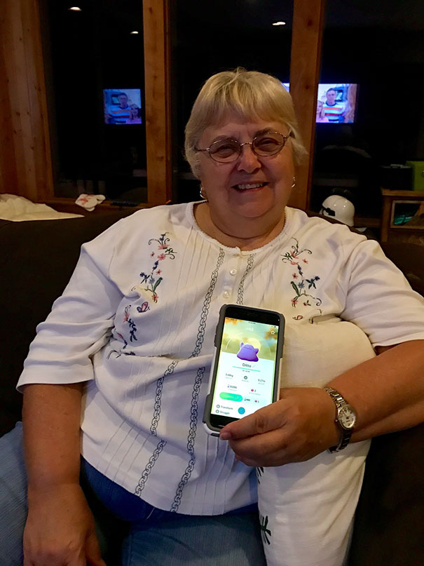 """When You Go Thanksgiving Pokemon Hunting And Grandma Accidentally Catches A Ditto And Is Disappointed Because She Wanted The """"Rat Thing"""""""