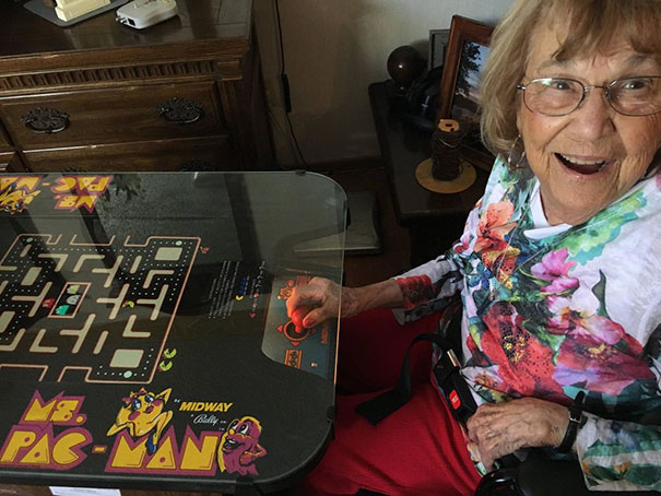 My 85 Year Old Grandmother Ecstatic Her 2-Player Mrs. Pac Man Got Fixed After 20 Years Of Collecting Dust