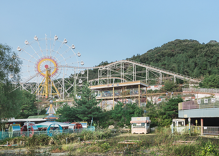I Discovered This Creepy Abandoned Amusement Park In South Korea