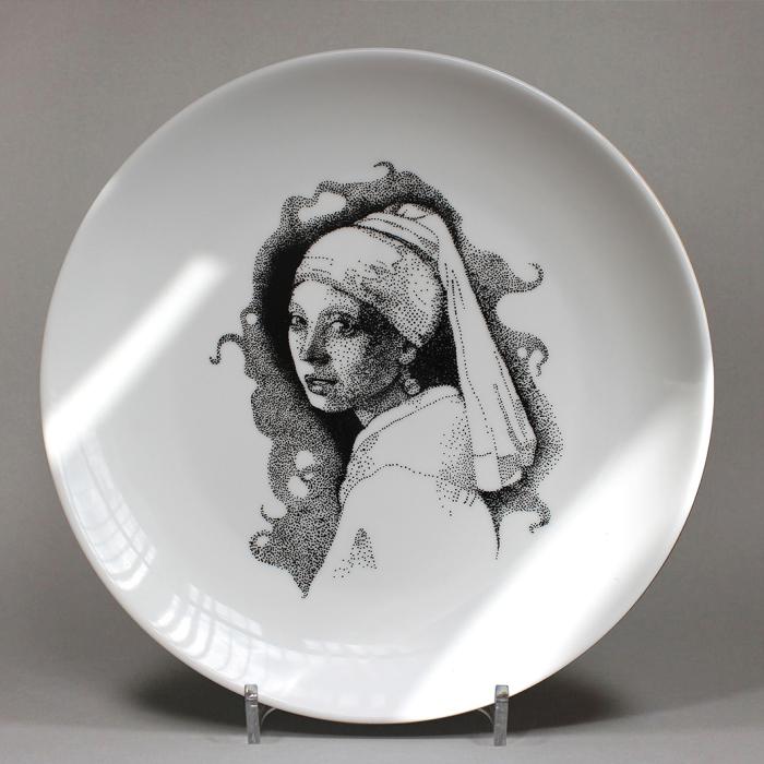 I Create Portraits On Porcelain