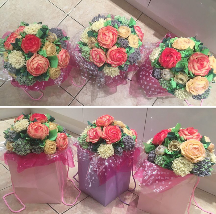 I Make Cakes And Cupcakes That Look Like Flower Bouquets