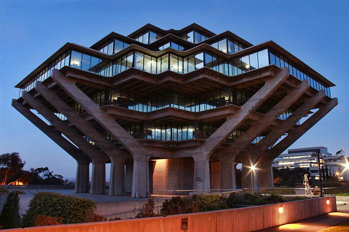 Geisel Library, La Jolla, California, USA