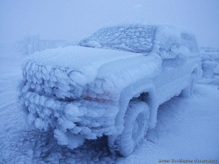 Icy camión en la cima del monte Washington