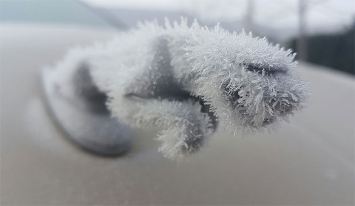 10+ Times Winter Turned Cars Into Art
