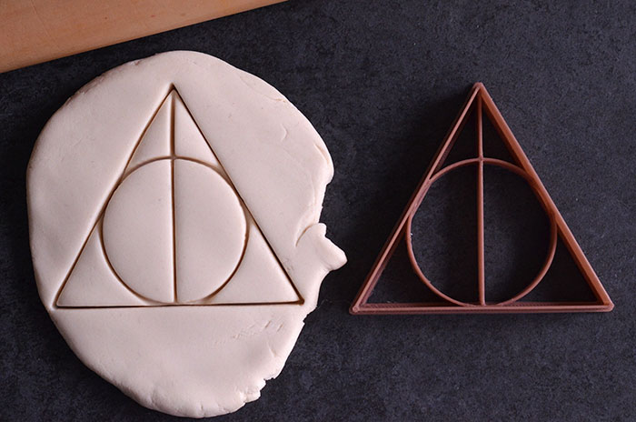 "9 Magical ""Harry Potter"" Cookie Cutters That You Can Buy On Etsy Right Now"