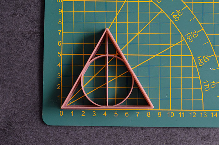 """9 Magical """"Harry Potter"""" Cookie Cutters That You Can Buy On Etsy Right Now"""